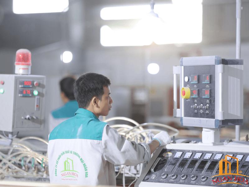 Nhà máy Ngân Hoa chuyên sản xuất phào chỉ chất lượng cao