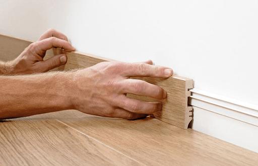 Lắp đặt phào chân tường gỗ công nghiệp